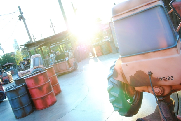 california-adventure-maters-junkyard-jamboree-ride