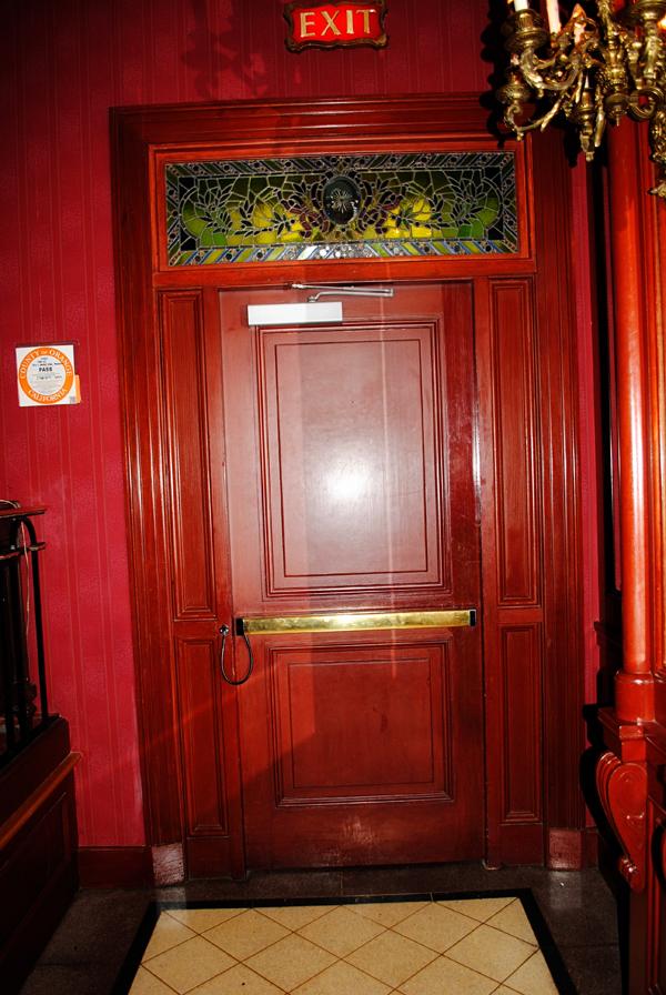 club-33-disneyland-exit_0749