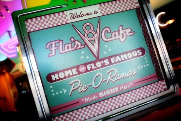 cars-land-flos-v8-cafe-pie