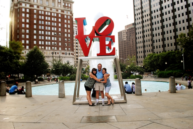 philadelphia-vacation-love-statue_0540_2
