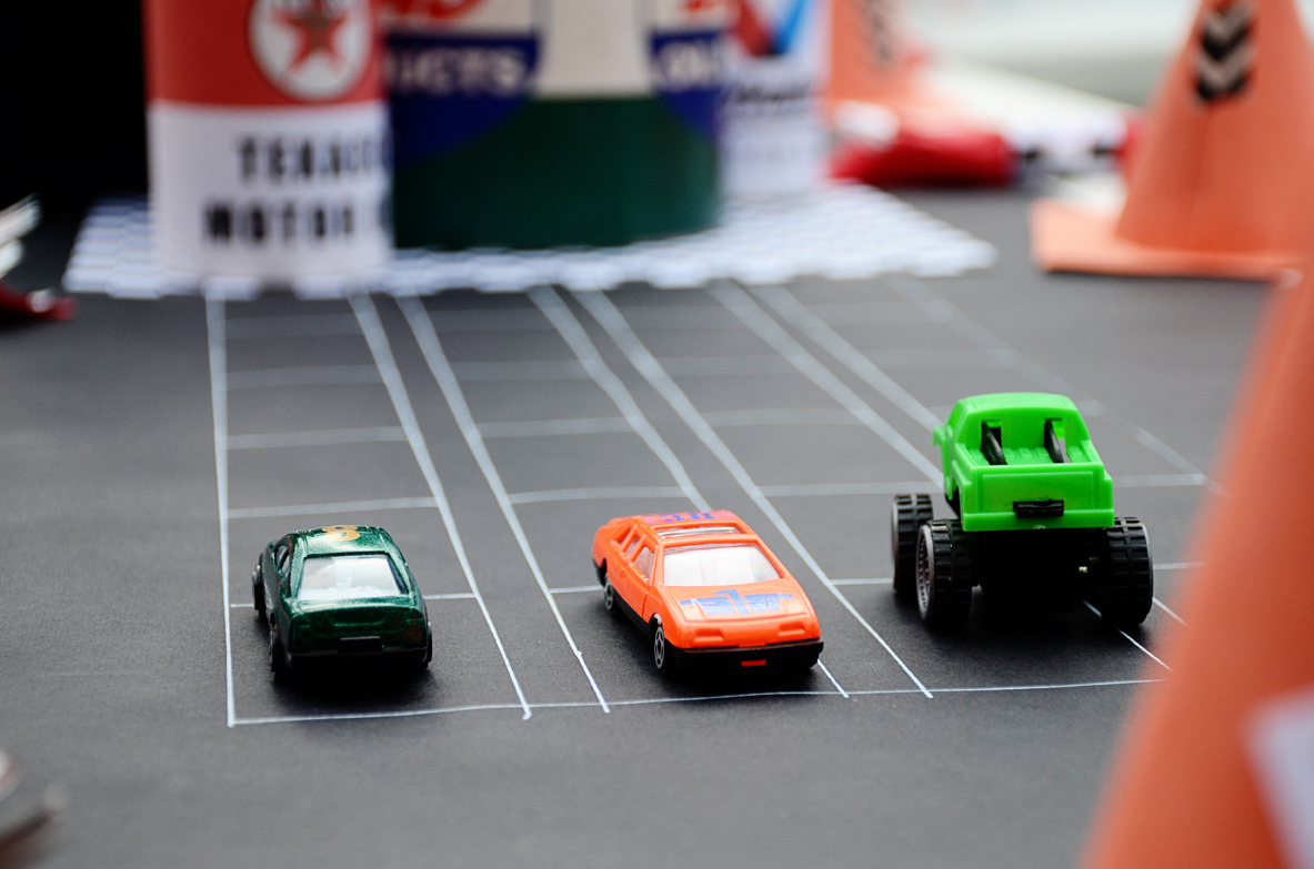 Drag Race Track Cake Ideas And Designs
