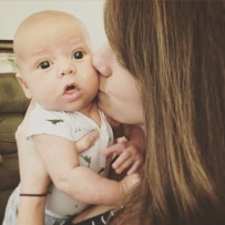 isaiah-3-months-mommy-kisses